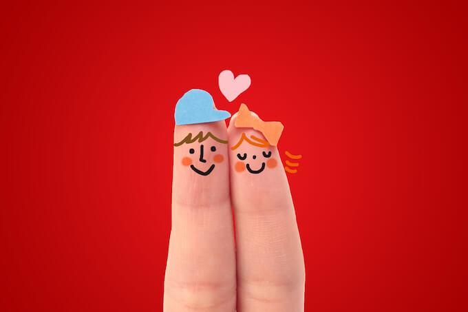 指で表現したカップルイラスト