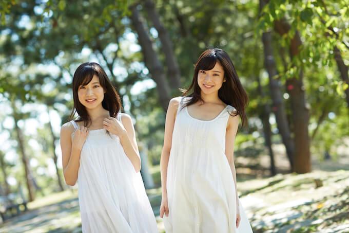 双子の女性