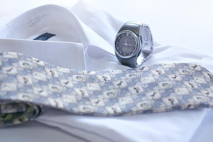 ワイシャツとネクタイ